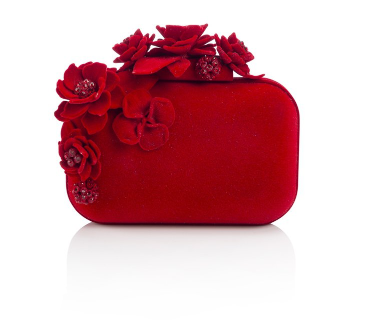 凱特溫絲蕾搭JIMMY CHOO CLOUD紅色立體玫瑰花絲絨手拿包,約售133...
