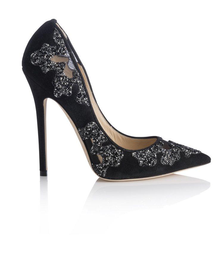 凱特溫絲蕾選穿JIMMY CHOO KARMEL黑色鏤空雕花高跟鞋,約售55,8...