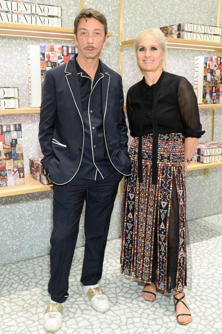 Valentino創意總監Pierpaolo Piccioli和Maria Gr...