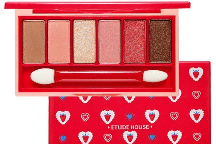 ETUDE HOUSE莓好時光奇幻多效眼彩盤的包裝與色彩鮮豔可愛。圖/ETUDE...
