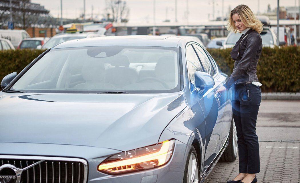 北歐瑞典車廠Volov計畫從明年開始不再販售使用鑰匙的車款,而是透過最新開發的智慧手機APP應用程式。 圖/Volvo提供