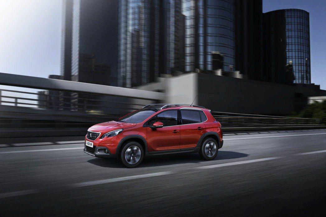 全新2008提供1.6升柴油引擎與1.2升汽油渦輪引擎供車主選擇。 摘自Peugeot.com