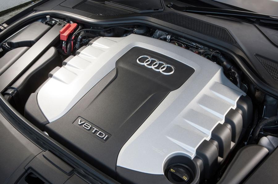 新的V8 TDI引擎扭力雖較舊款較為短少,但加速力道依舊驚人。圖為現款V8 TDI引擎。 摘自autocar.co.uk