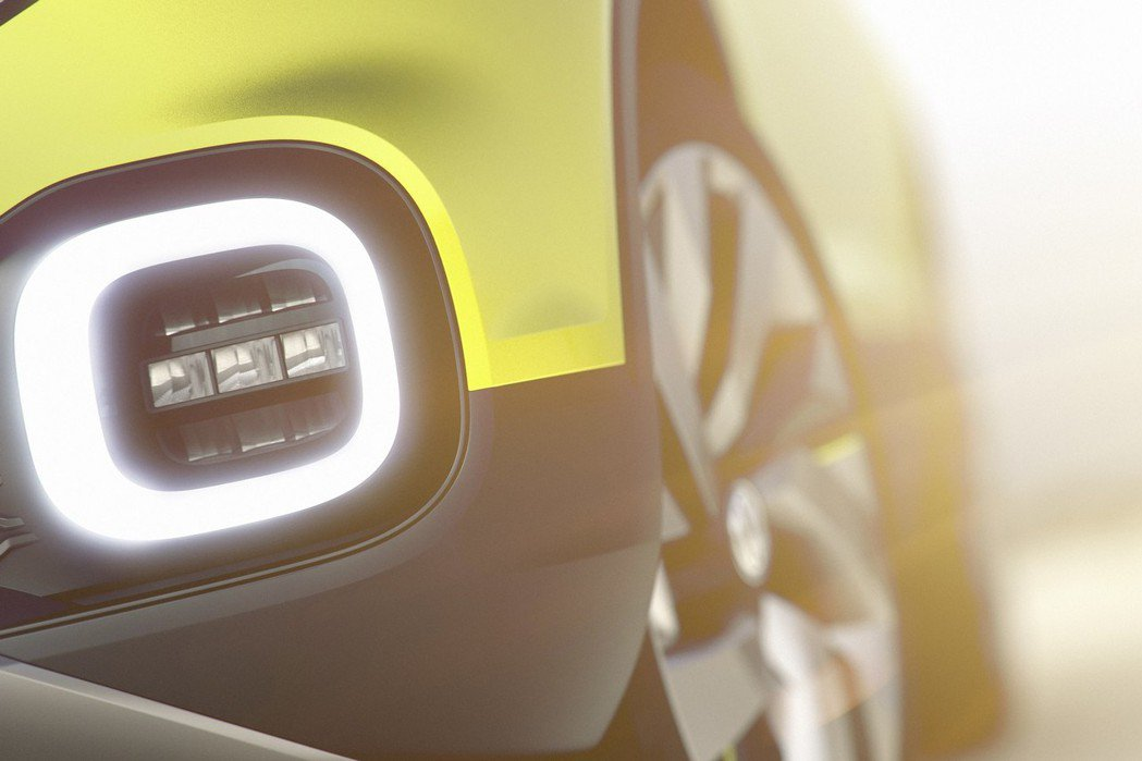 Small SUV Concept概念車,外觀採亮眼的黃色烤漆配置搭配下方防刮飾板,增添粗獷感受。 摘自Volkswagen.com
