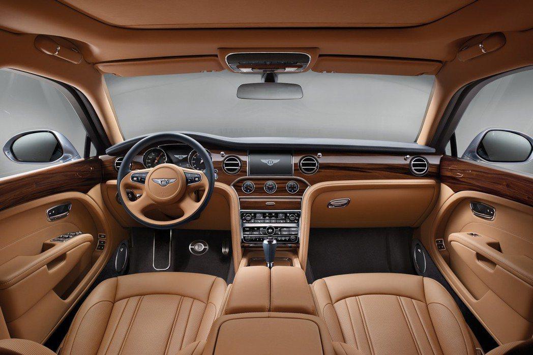 新一代Mulsanne車艙以原先奢華、尊貴的元素進行進化。 摘自Bentley.com