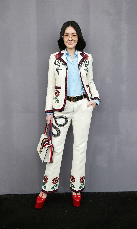 徐熙娣穿著 GUCCI 2016 春夏褲裝,出席米蘭女裝秀。圖/GUCCI提供
