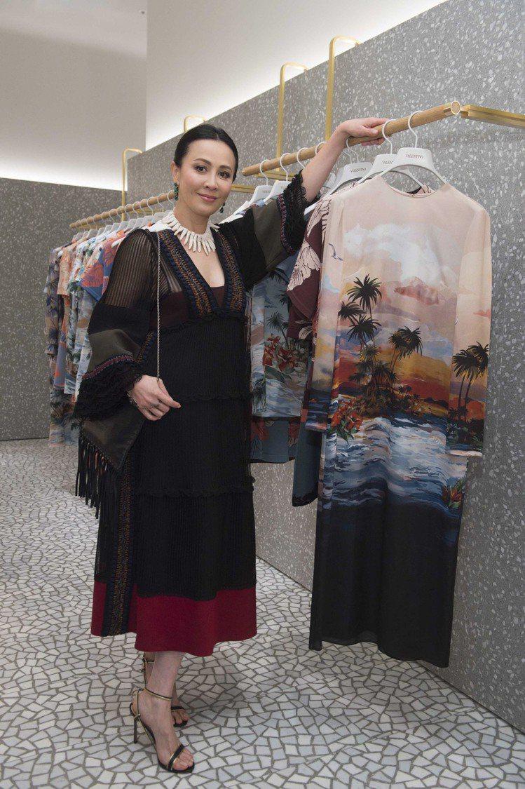 劉嘉玲鑑賞 Valentino Hawaiian Couture 女裝系列。圖/...