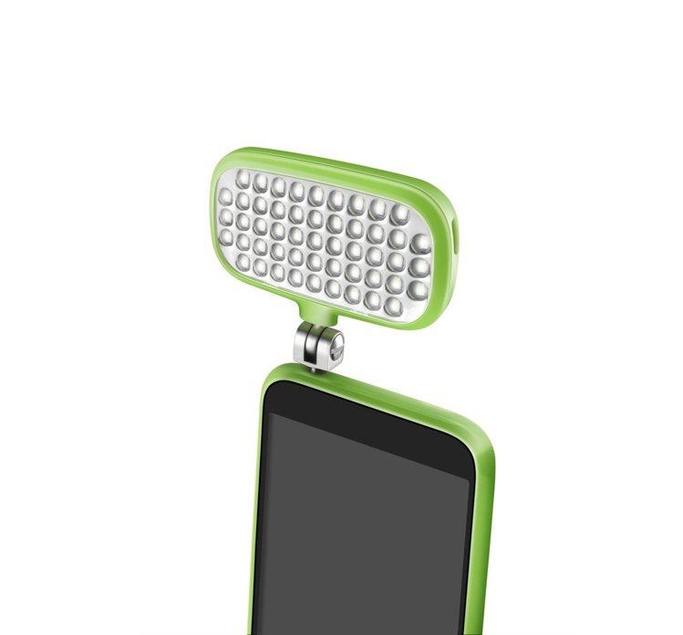 外接式手機補光燈是夜拍時的好幫手。圖/台灣興華拓展提供