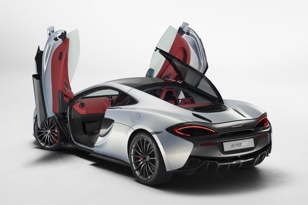 570GT搭載3.8升V8雙渦輪增壓汽油引擎,可爆發570hp/61.2kgm的最大動力。 摘自McLaren.com