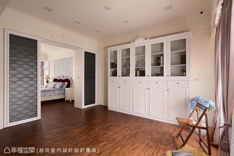 ▲起居室加書房: 主臥外面保留一處起居室,目前以書房為用,更預留空間供未來其他需...
