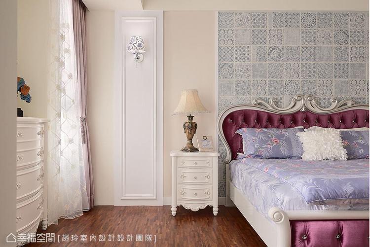 ▲線板造型: 牆面利用線板造型拉出立面造型,平衡空間風格的同時,也軟化天花樑柱的...