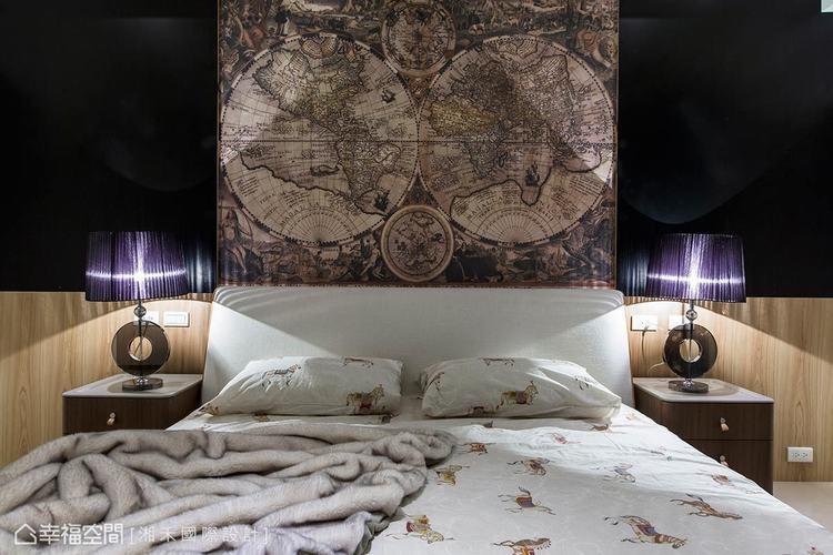 ▲旅行記憶: 床頭壁面的中央特別飾以世界地圖的壁紙,呼應屋主熱愛旅行的興趣。