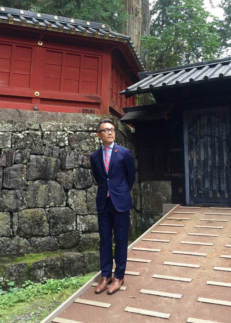 劉家豪的商務型正裝,領帶配色會與西裝一致,他說,搭配共通色絕對不會出錯。圖╱劉家...
