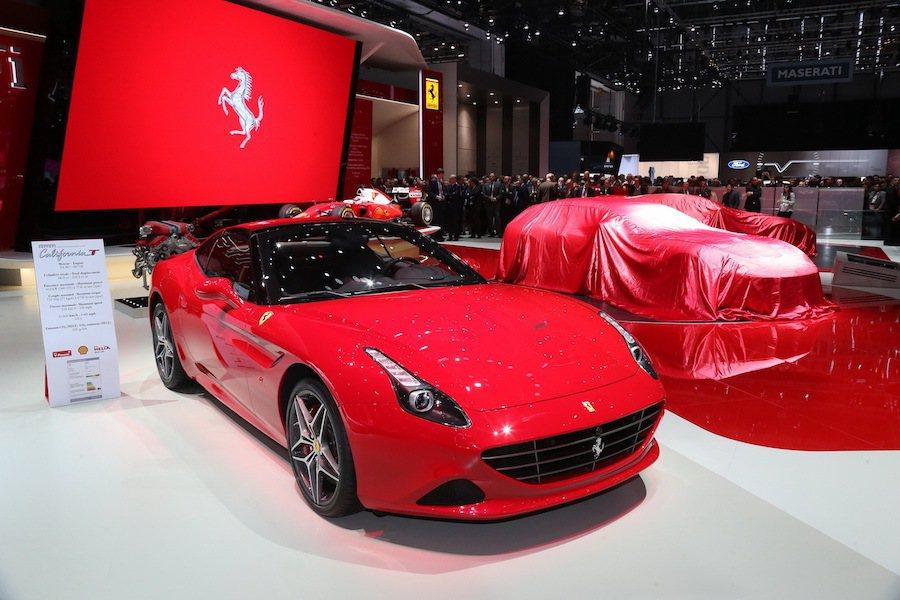 知名超跑商Ferrari在日內瓦車展中發表California T HS套件。 ...