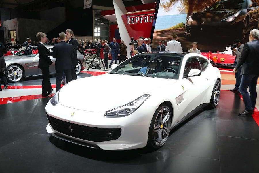 甫發表不久的Ferrari的 FF的下一代車款GTC4Lusso也同步在車展中亮...