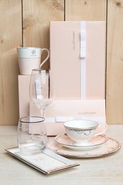 JILL STUART Beauty甜蜜午茶遊樂園所用餐具全部由日本空運來台。圖...