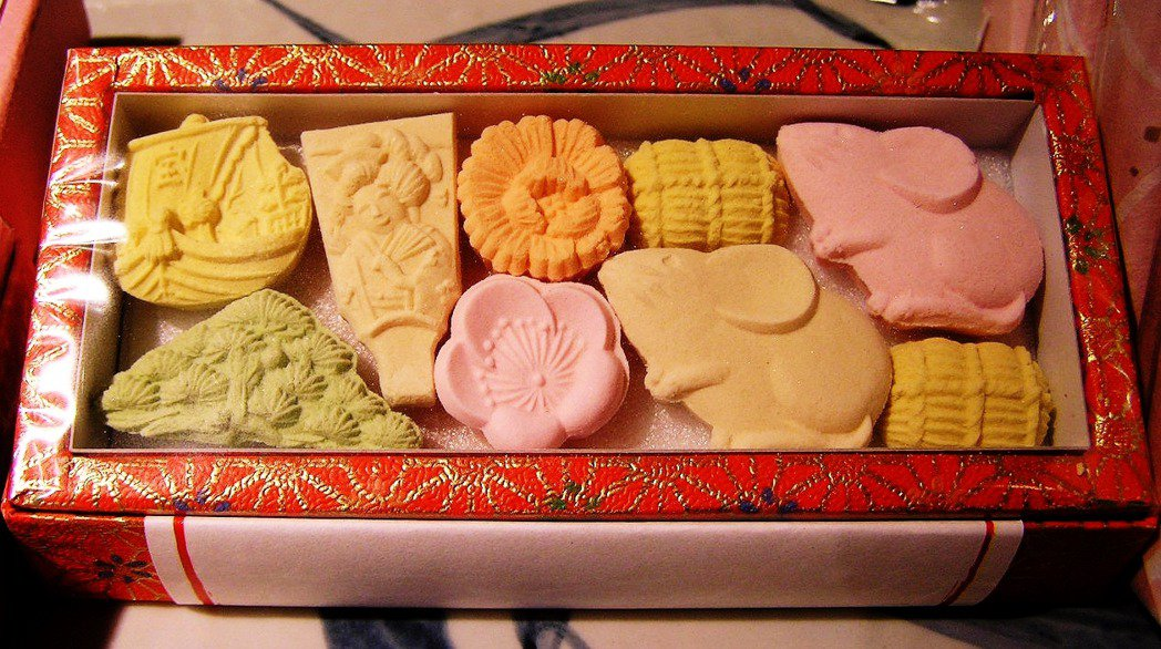細緻典雅的「和三盆」從此成為高級和菓子當中不可或缺的原料。 圖/維基共享