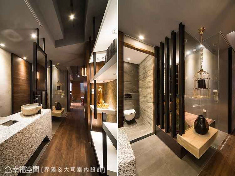 ▲廊道: 以藝廊概念打造的廊道左右分列展示平台,也成為界分衛浴與書房的中介。馬健...