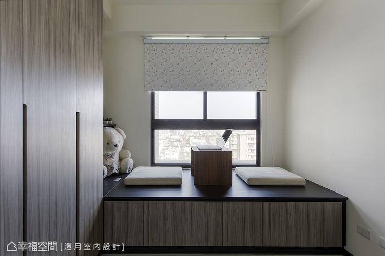 ▲客房: 120公分的窗下臥榻,兼具上掀收納與客用臥舖的多元機能。