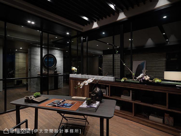 ▲幽靜之美: 將戶外的建築之景延攬入室,些微光感的櫃體造型讓家居彷彿是城市裡的一...