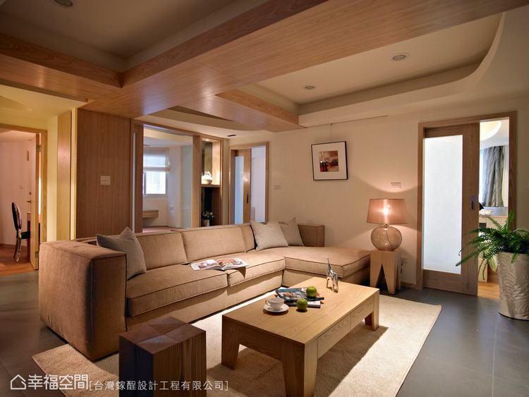 ▲雖然主題是天花板造型,但設計師張逸鈞對於材質的運用卻歷經全面性的思考,天頂的木...