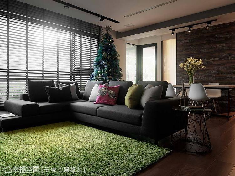 ▲凸顯空間感: 子境空間設計順應建築原有的優勢,援引大量的自然光入室,透過充足的...