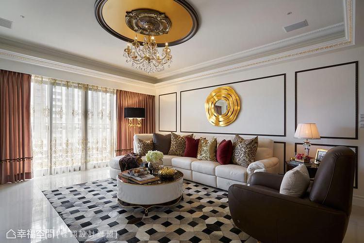 ▲客廳: 盈滿自然光譜的淨朗空間以白色為基底,佐搭黑色藝術線板描框,透過家具與燈...