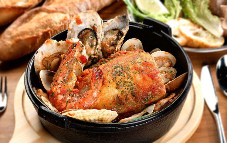 「巴斯克漁夫鍋」改用虱目魚,風味更豐富。圖/甘簞行瓦MVSA提供