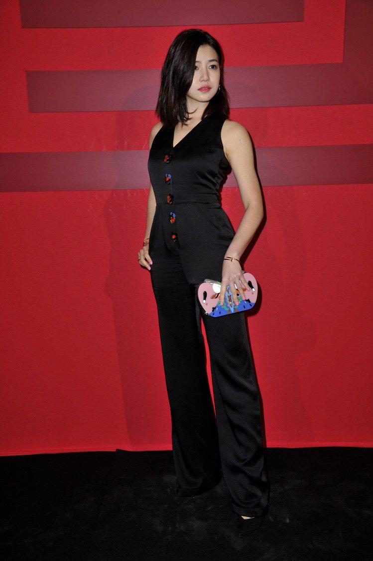 陳妍希出席夏姿巴黎時裝周發表。圖夏姿提供
