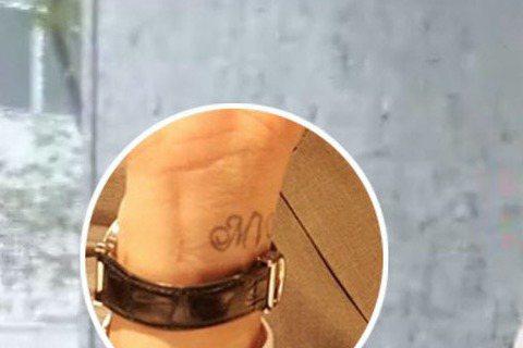 還記得噓編10日在臉書上的發文嗎?前情提要~→https://goo.gl/zHp5Bi原來謝佳見右手腕上的【MV】刺青,是送給XX的白色情人節禮物!快點來聽聽看他怎麼說吧~