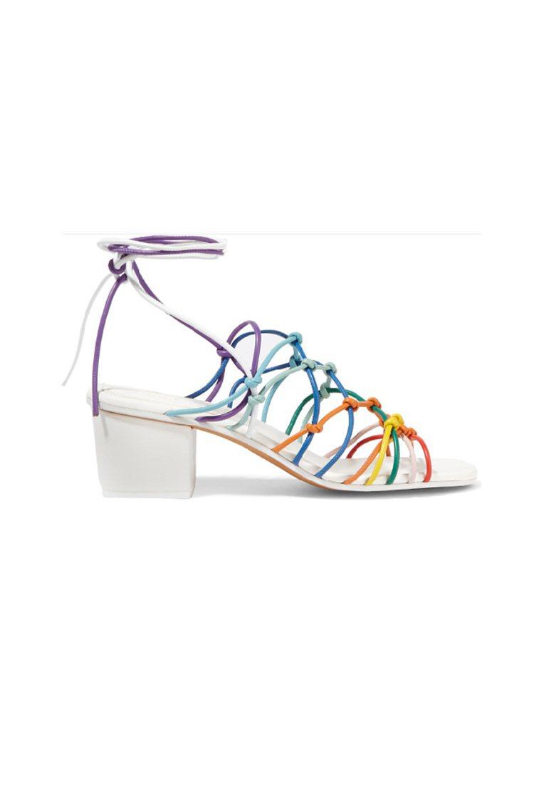 CHLOÉ系結式皮革涼鞋 將絢麗的彩虹色調搬上以 90 年代為主題的 2016...