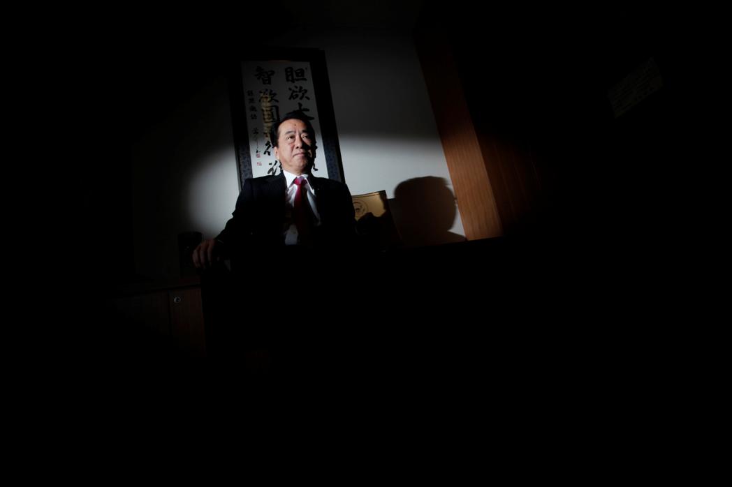 2011年9月辭去總理大臣職位的菅直人,在網路上得到了另一個充滿戰前時代風味的封...