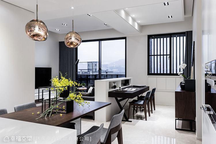 ▲餐廳: 運用中島與餐桌緊密結合,形成輕食區的機能段落,透過開放的場域,串聯起公...