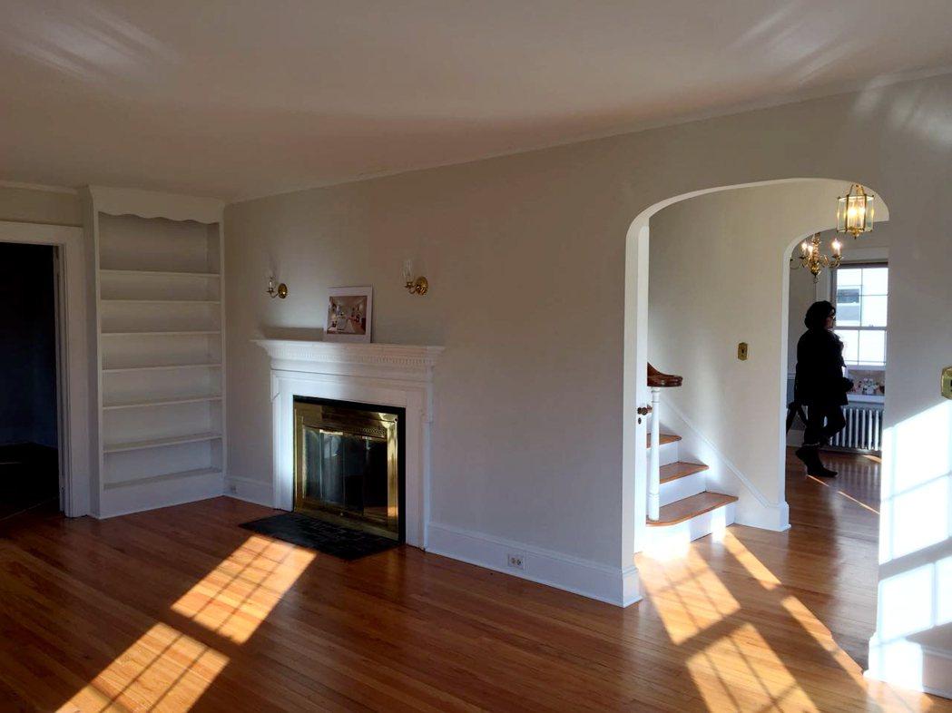 新州翻修房出售比例全美最高,許多舊房翻修後煥然一新。(記者謝哲澍/攝影) 謝哲澍