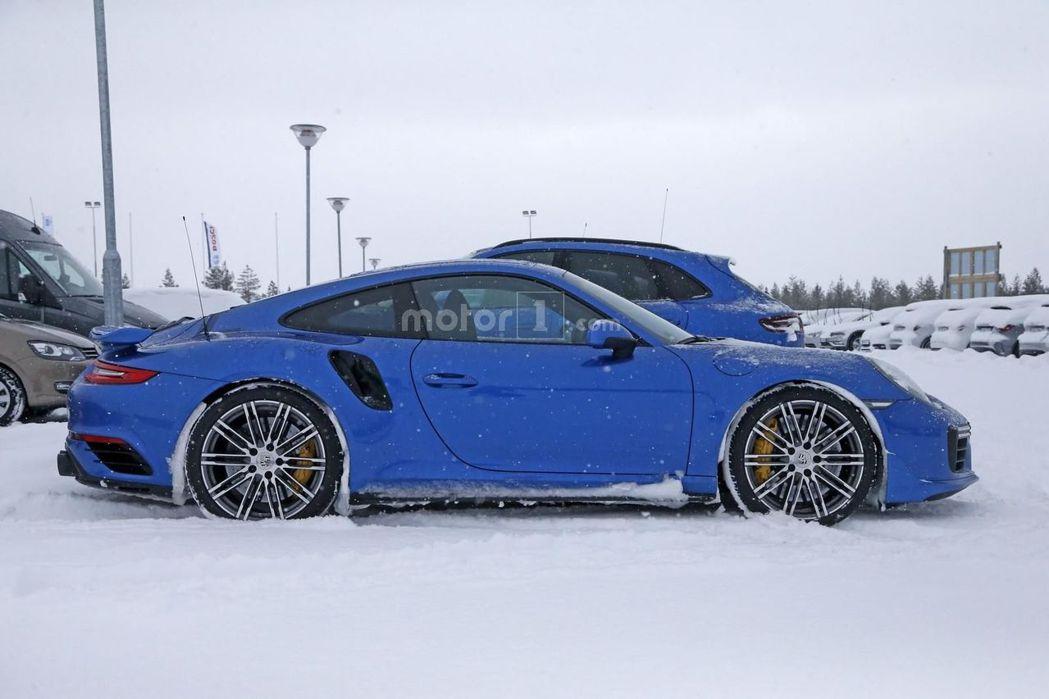 據消息指出,全新911 GT2變速系統將導入PDK雙離合器自手排變速系統。 摘自...