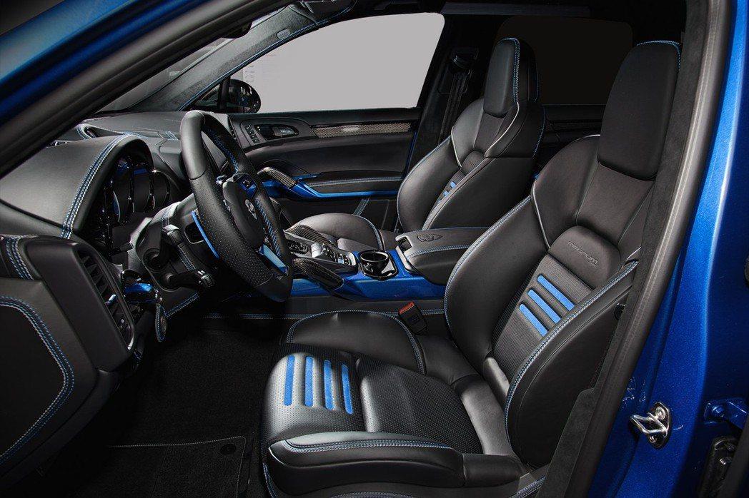 TechArt針對新一代座艙則採用黑色真皮包覆,並搭配藍色元素打造個性化氛圍。 ...