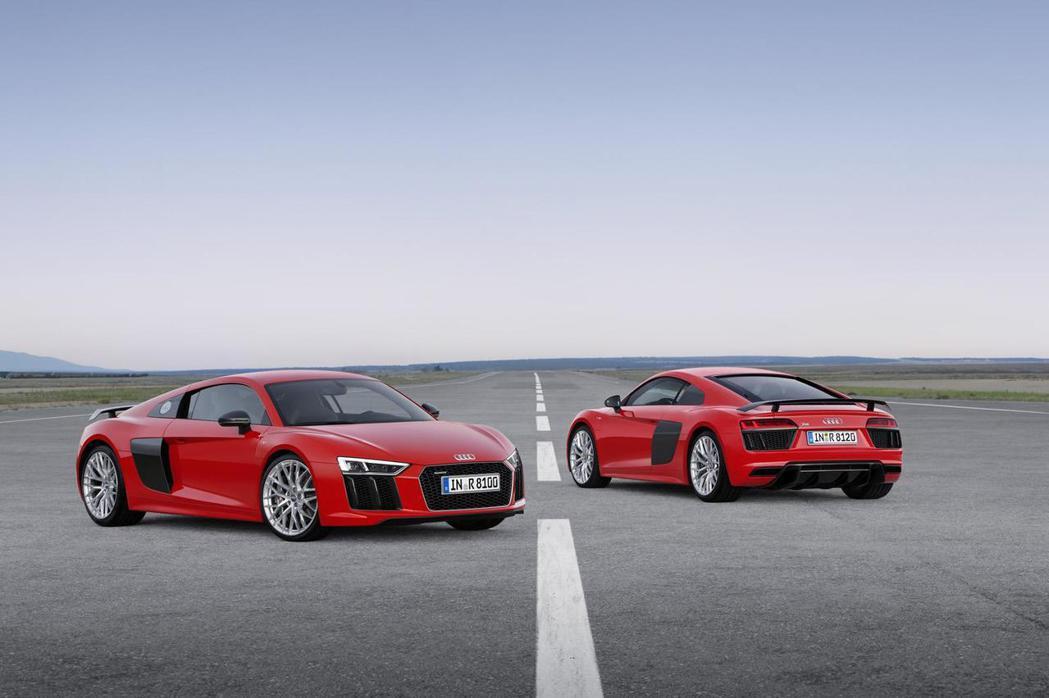 未來Audi R8 V10引擎是否會帶來性能更強悍的版本,目前也未有確切消息。 ...