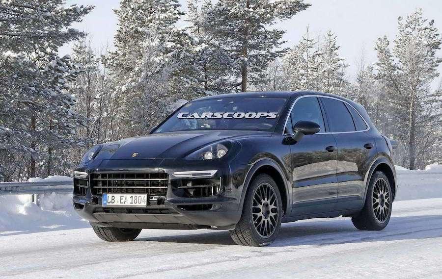 下一代的Porsche Cayenne最近被捕獲雪地測試照。 摘自carsco...