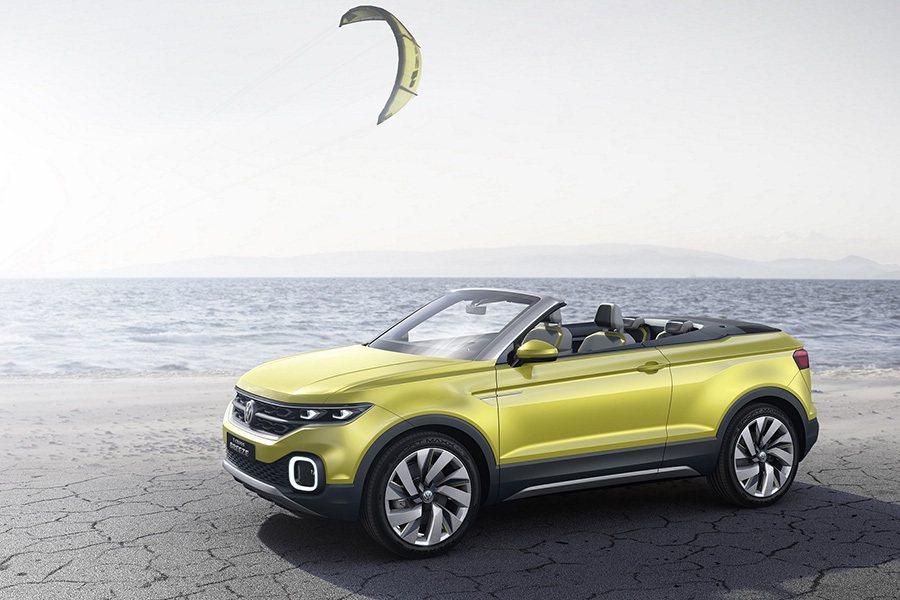 於日內瓦車展亮相的T-Cross Breeze 概念車是小型SUV級距中首款敞篷...