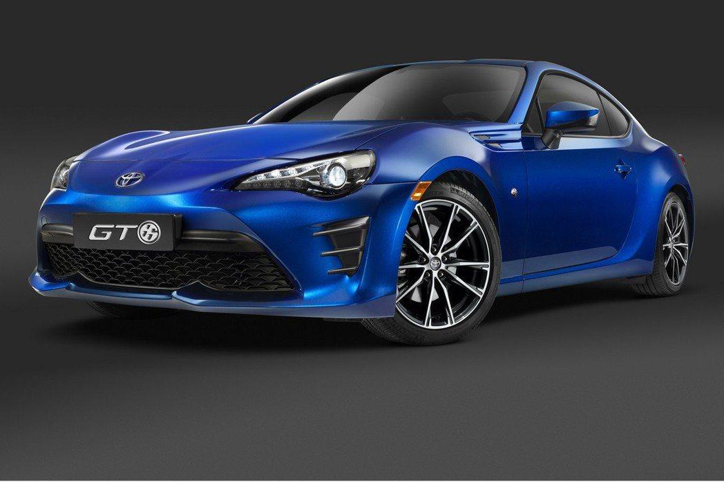 原廠確定將於3月底開幕的紐約車展上推出新一代Toyota 86,讓不少車迷相當期...