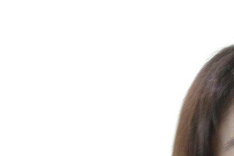 小小瑜因為一句「#想退出演藝圈」引起軒然大波,她今天打開心房說,只是想在明年30歲時「淡出」,不是「退出」,而淡出的原因,是工作量太大身心具疲,她想去嫁作人婦了,期間也聊到和本土天王吳宗憲的不...