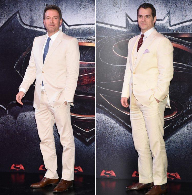 《蝙蝠俠對超人:正義曙光》墨西哥首映現場,兩位男主角班艾佛列克和亨利卡維爾不約而...