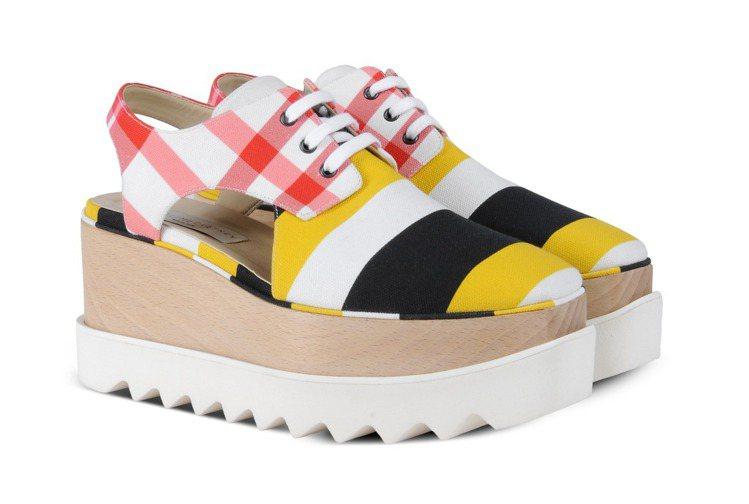 STELLA McCARTNEY木製厚底涼鞋,售價36,580元。圖/CLUB ...