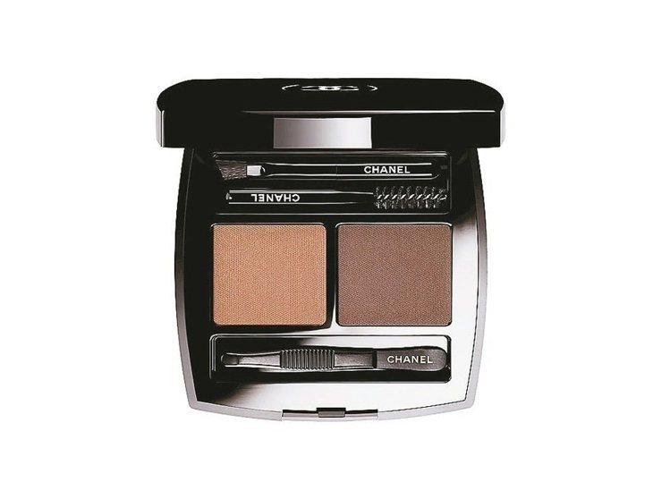 香奈兒時尚伸展台眉彩盤,預計6月上市。 圖/香奈兒提供