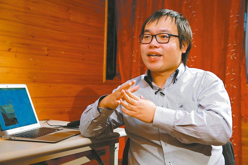 網路人稱「戰神」的朱宥勳 記者黃義書/攝影
