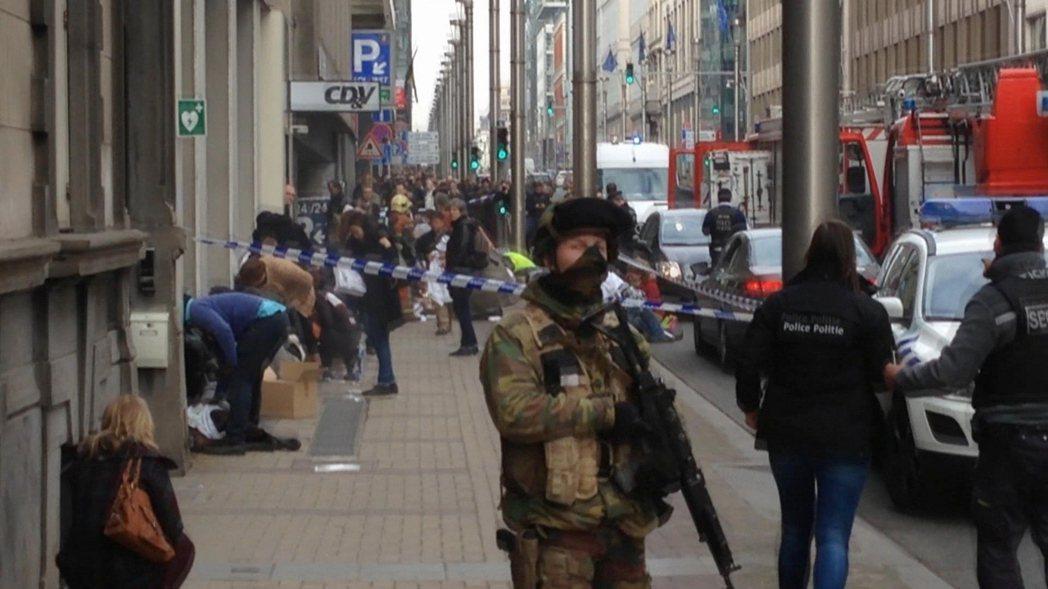 3月22日:馬爾比克地鐵站傷亡慘重,布市地鐵全面封鎖中。 圖/路透社