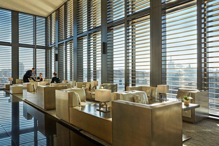位於米蘭的Armani Hotel,採用全系列的亞曼尼家具。圖/Armani提供