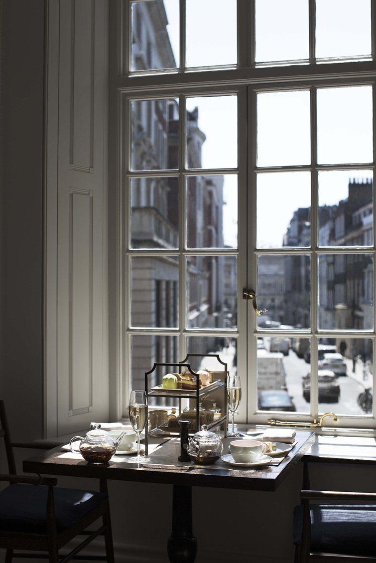 Burberry位於倫敦旗艦店內的Cafe Thomas's下午茶。圖/Burb...