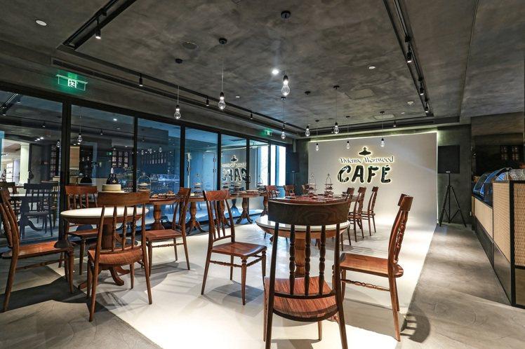 Vivienne Westwood在上海的咖啡廳,處處融入品牌元素。圖/Vivi...