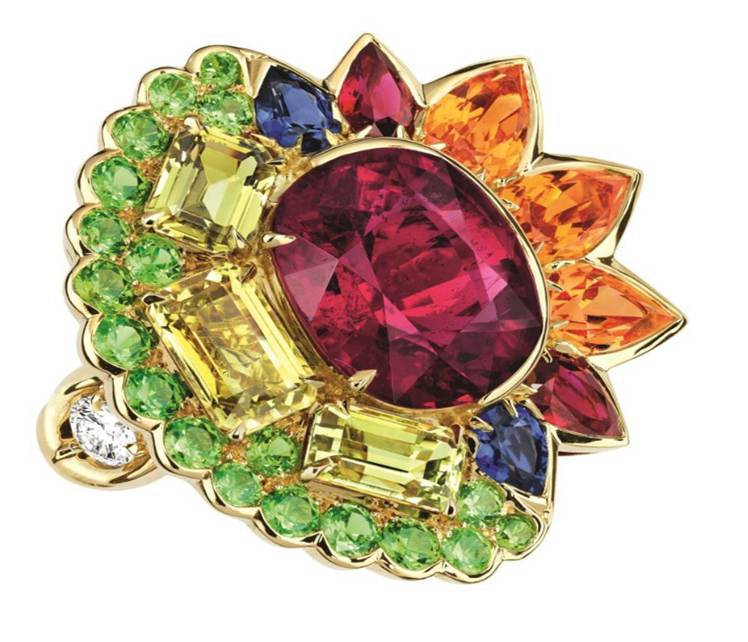 DiorGRANVILLE 紅碧璽戒指,約 370萬元。圖/Dior提供